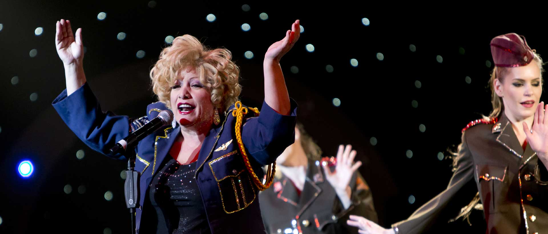 Stars-in-Concert_Berlin_Bette_Midler